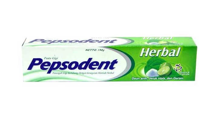 Herbal toothpaste for healthy teeth