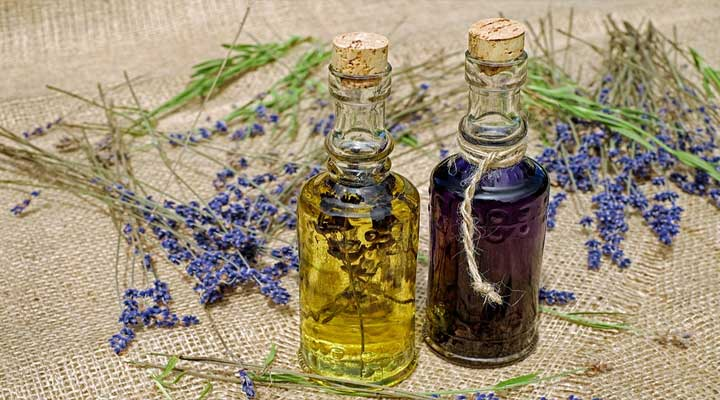 oil for treating scalp infections